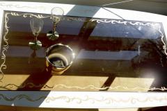 kultauksia-köynnöksiä-ornamentteja-käsinmaalattuina-pöytään-tilaustyönä-jorma-lampela